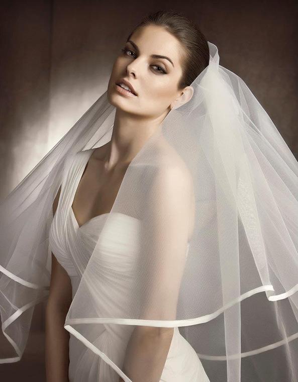 ... che può essere indossato solo per il matrimonio in chiesa. Nel caso si  scelga fd76728ea76e